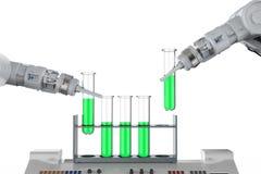 Mani robot che lavorano alle provette Fotografia Stock Libera da Diritti