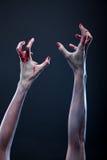Mani sanguinanti delle zombie Immagini Stock Libere da Diritti