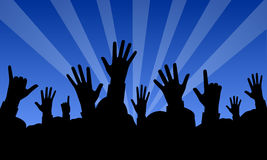 Mani sollevate ad un concerto Fotografia Stock Libera da Diritti