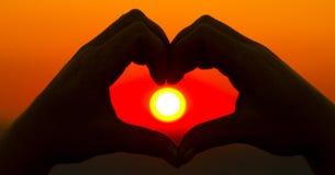 Mani sotto forma di cuore Immagini Stock Libere da Diritti