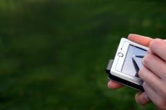 Mani sul calcolatore fotografia stock libera da diritti