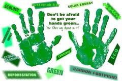 Mani verdi di Eco con un messaggio Fotografia Stock Libera da Diritti