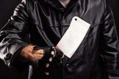 Maniak met mes op donkere achtergrond stock fotografie