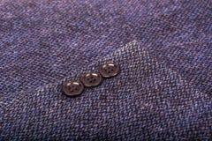 Maniche dei bottoni per il rivestimento del ` s degli uomini Immagini Stock Libere da Diritti