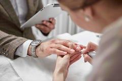 Manicure dla mężczyzna Fotografia Stock