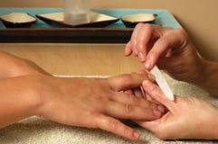 Manicure do salão de beleza dos termas Fotos de Stock