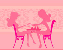 Manicure i skönhetsalong Arkivfoton