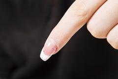 Manicure nel negozio di bellezza Chiodi del gel Fotografie Stock Libere da Diritti