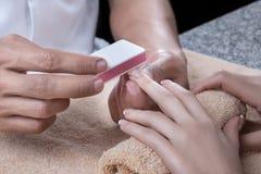 manicure polerar Arkivfoto