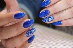 Manicure'u projekta niebieskie niebo Zdjęcia Royalty Free