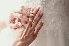 Manicured bröllop spikar Spika designen Närbild royaltyfria foton