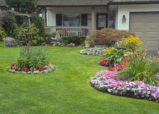 Free Manicured Home And Garden Royalty Free Stock Photos - 21155158