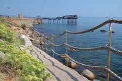 Manier aan de oude pijler in Rio Marina royalty-vrije stock afbeelding
