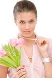 Manier - jonge romantische vrouw met de lentetulpen Royalty-vrije Stock Fotografie
