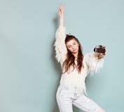 Manier modieuze vrouw die en foto maken dansen Stock Afbeelding