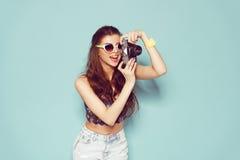 Manier modieuze vrouw die en foto maken dansen Royalty-vrije Stock Fotografie