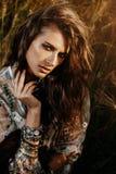 Manier vrouwelijk model stock foto