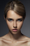 Manierportret. Mooi Vrouwengezicht Royalty-vrije Stock Foto's