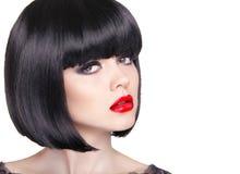 Manierportret van mooie donkerbruine vrouw met rode lippen Stock Afbeelding