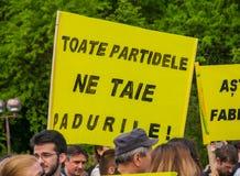 Manifest gegen missbräuchliche Abholzung Stockbild