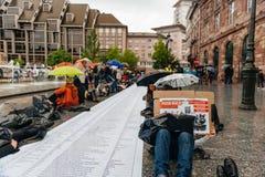 Manifestação de protesto da manifestação dos povos contra a imigração polic Fotos de Stock