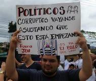 Manifestación contra la corrupción y la reelección de Juan Orlando Hernandez imágenes de archivo libres de regalías