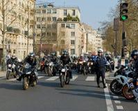 Manifestación de los motoristas en París imagenes de archivo