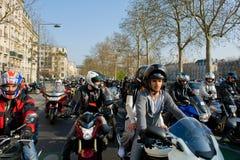 Manifestación de los motoristas en París imágenes de archivo libres de regalías