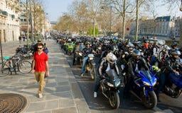 Manifestación de los motoristas en París fotografía de archivo libre de regalías