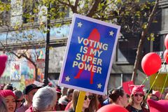 Manifestación, San Francisco, CA el ` s de las mujeres fotografía de archivo