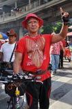 Manifestante de la Rojo-Camisa Foto de archivo libre de regalías