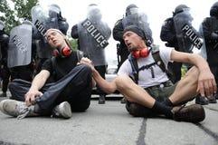 Manifestantes cantantes. Fotografía de archivo