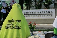 Manifestantes de la central eléctrica con carbón en Tailandia fotografía de archivo libre de regalías