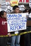 Manifestantes de la visita de Obama Imágenes de archivo libres de regalías