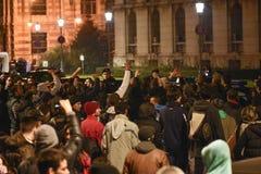 Manifestantes de los millares en Bucarest foto de archivo