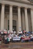 Manifestantes del cuidado médico Imagenes de archivo