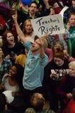 Manifestantes dentro del capitolio de Wisconsin Imagen de archivo libre de regalías