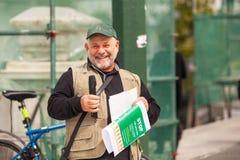 Manifestantes durante el día del mundo de acción contra TTIP CETA TISA en Atenas cerca del palacio presidencial Fotos de archivo