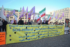 Manifestantes en Berlín Imagen de archivo libre de regalías