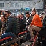 Manifestantes que protestan contra el gobierno en Milán, Italia Imagen de archivo