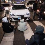 Manifestantes que protestan contra el gobierno en Milán, Italia Fotos de archivo