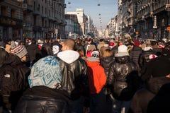 Manifestantes que protestan contra el gobierno en Milán, Italia Fotografía de archivo
