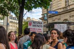 Manifestatie voor de Franse Senaat tot steun van de stemming in Argentinië voor vrije abortus royalty-vrije stock afbeeldingen