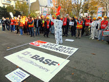 Manifestation framme av BASF, Frankrike. Arkivbilder