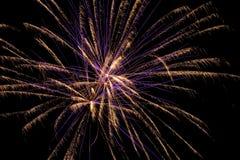 Manifestazione aerea dei fuochi d'artificio Immagine Stock