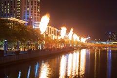 Manifestazione del fuoco del casinò della corona alla notte Fotografie Stock