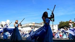 Manifestazione della fanfara di High School dell'accademia dell'aria del torneo superbo di Rose Parade famosa stock footage