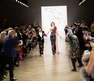 Manifestazione della pista di Zang Toi FW19 come componente là del New York Fashion Week immagini stock libere da diritti