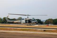 Manifestazione militare dell'elicottero il giorno dei bambini in Chiang Mai, Tailandia immagine stock