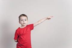 Manifestazioni del ragazzo Fotografia Stock Libera da Diritti